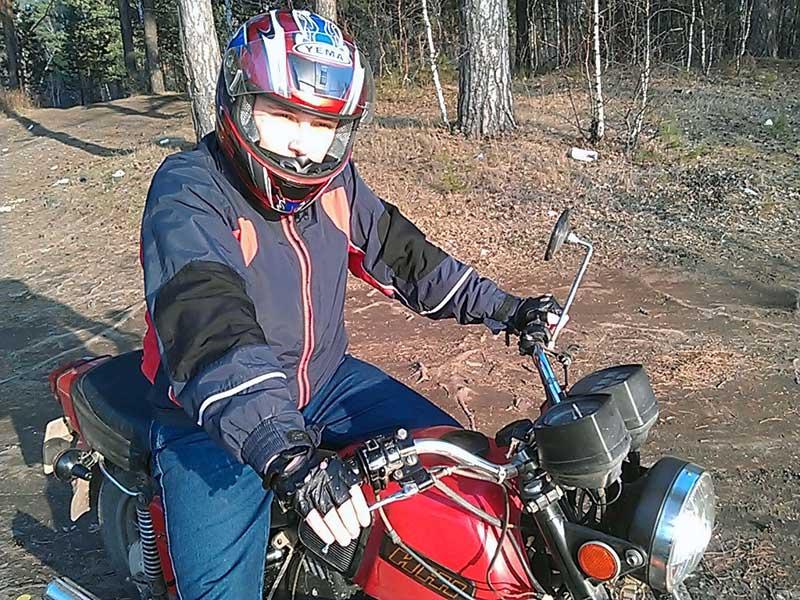 (26.04.2013 me) Я на мотоцикле - Недалеко от водохранилища