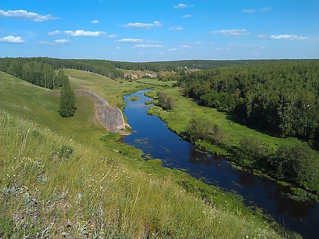 (17.06.2013 doroga) Усманово - Красивый вид с холма на реку