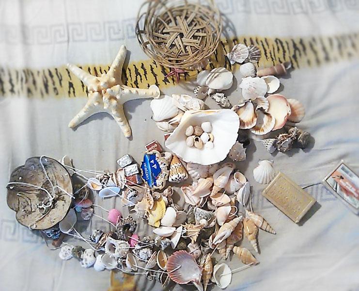 (25.06.2013 blogger) Подарки с Крита от родителей - Ракушки, музыка ветра, оливковое мыло