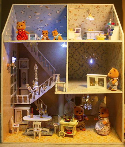 (02.10.2013 blogger) Кукольный домик