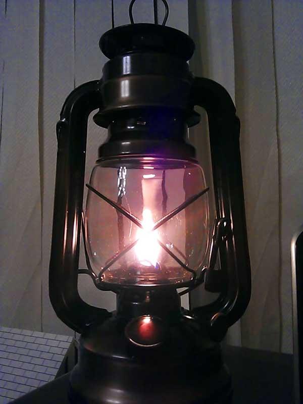 (16.12.2013 blogger) Керосиновая лампа - Классическая