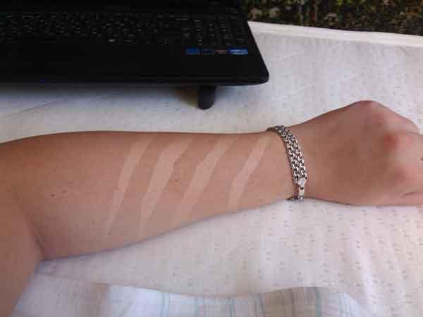 (03.06.2014 blogger) Следы от когтей - Ну или шрамы. Не татуировка. Фотошоп