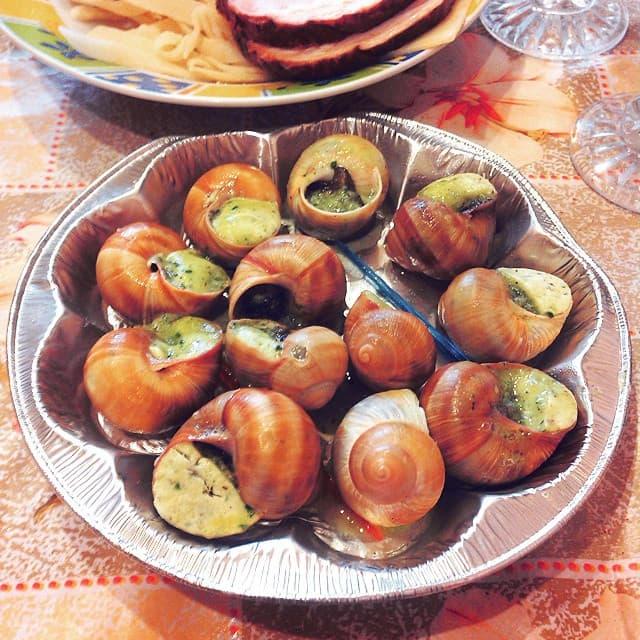 (28.04.2015 instagram, food) Блюдо с улитками - праздничный ужин