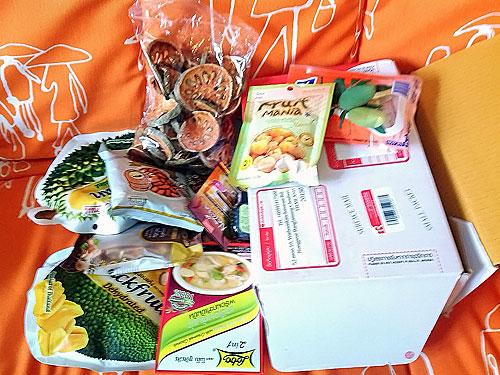 (26.03.2016 blogger) Фрукты из Тайланда - И еще жареные сверчки и гусеницы шелкопряда