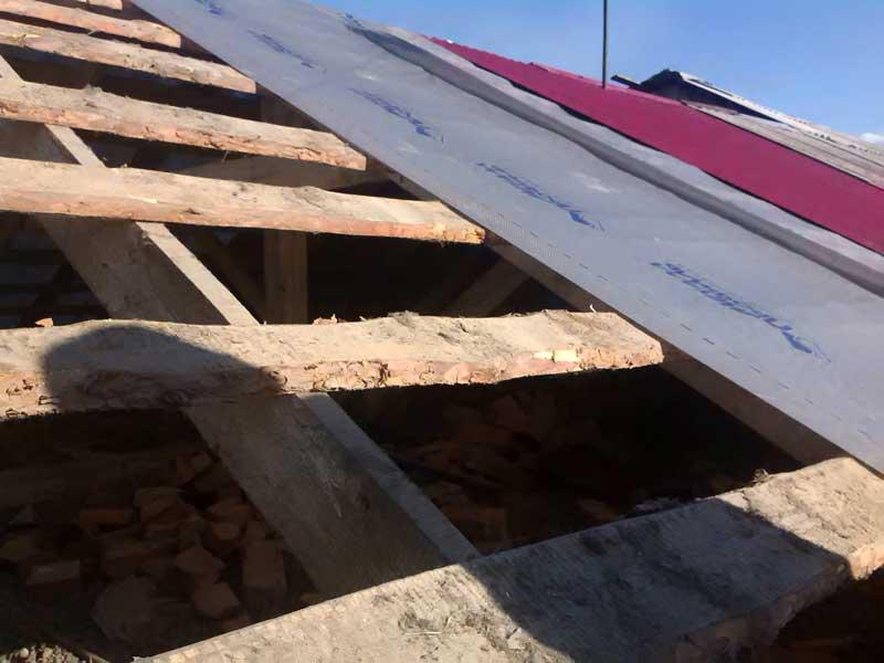 (19.06.2016 blogger) Перекрыли крышу - На доме в деревне
