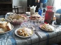 (04.02.2013 blogger) Праздничный стол - Поздравляем маму Алены с Д.Р.