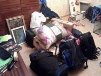 (07.02.2013 blogger) Переезд Алены - Привезли все сумки к нам домой
