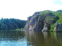 (12.06.2013 doroga) На лодке до 2 висячего моста - Скалы и беседка