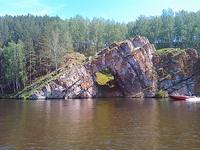 (12.06.2013 doroga) На лодке до 2 висячего моста - Катер у Каменных ворот
