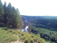 (06.07.2013 doroga) Природный парк Оленьи ручьи - Река Серга со смотровой площадки Пирамида. Вид на скалу Писаница