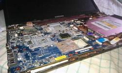 (14.03.2014 blogger) Ноутбук разобран - Для очистки вентилятора