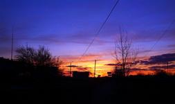 (23.04.2015 blogger) Гуляем с Сашей по Каменску-Уральскому - Южный, красивый оранжевый закат